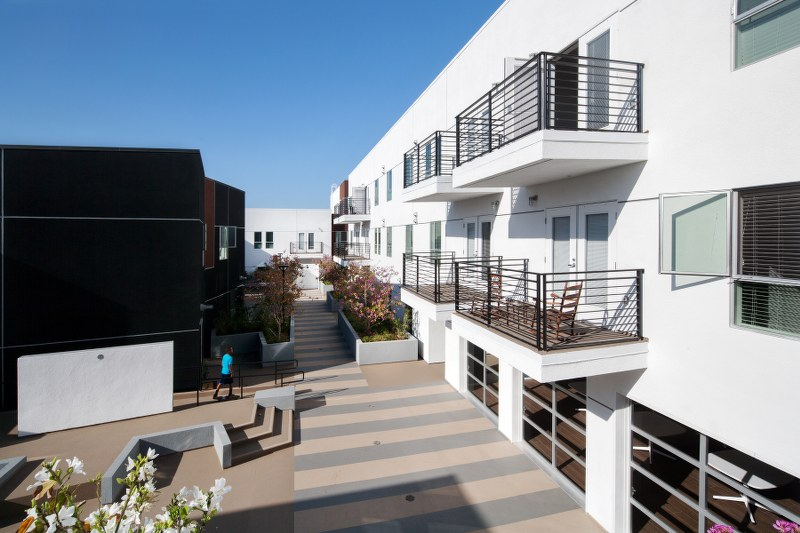 Pacific Avenue Arts Colony Balcony View1
